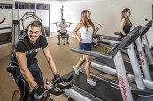 Studenti ubytovaní ve studentském apartmánu mohou využívat například i tělocvičnu, Browns Brisbane Austrálie