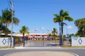 Pohled na areál školy Sun Pacific College, kde studenti mají vše, co ke svému studiu potřebují včetně ubytování, Cairns Austrálie