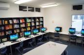 Počítačová učebna včetně knihovny je studentům angličtiny také plně k dispozici, Sun Pacific College, Cairns Austrálie