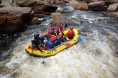 V Tasmánii se dají podnikat nejrůznější aktivity, oblíbenou zábavou je rafting, SACE Austrálie Hobart