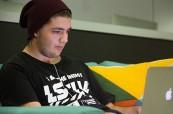 Student odborného kurzu na škole AIT - Academy of Information Technology, Sydney, Austrálie