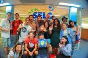 Společné foto mezinárodních studentů studujících anglický jazyk na jazykové škole SELC City v centru města Sydney, Austrálie