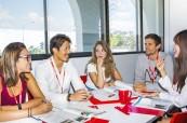 Studenti během kurzu angličtiny, BROWNS Gold Coast Austrálie