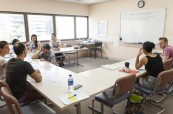 Jedna z učeben, kde probíhá výuka anglického jazyka na škole Milner College Perth Austrálie
