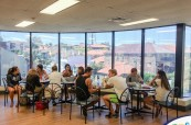 Studenti v jazykové škole SELC Bondi, Sydney, Austrálie