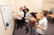 Studenti během výuky anglického jazyka na škole IH Sydney City/Bondi