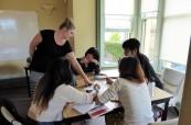 Studenti během výuky anglického jazyka na škole SACE ve městě Hobart v Tasmánii, Austrálie