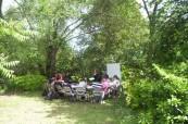Při hezkém počasí probíhá jazyková výuka angličtiny občas venku na zahradě, SACE Hobart Tasmánie - Austrálie